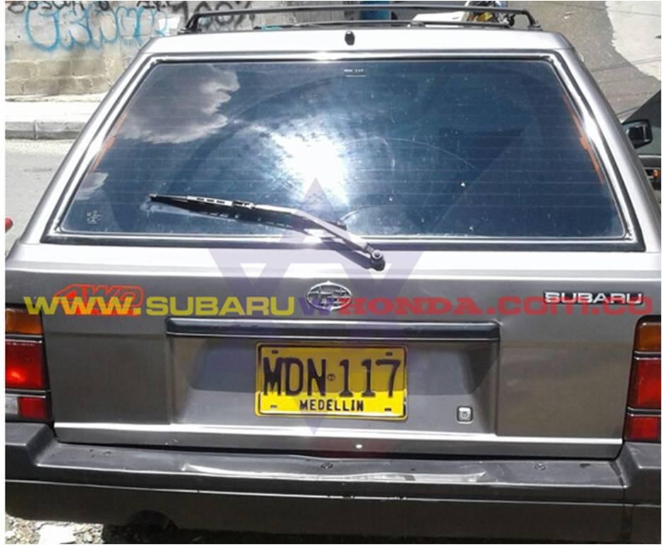 Parte trasera Camioneta Subaru Leone 1993